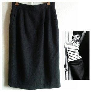 Vintage Pure Wool Anne Klein II Pencil skirt